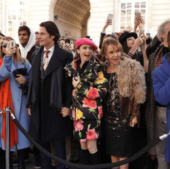 Screenshot_2020-10-30 Emily in Paris (2020)(2)