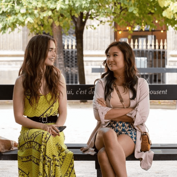 Screenshot_2020-10-30 Emily in Paris (2020)(6)