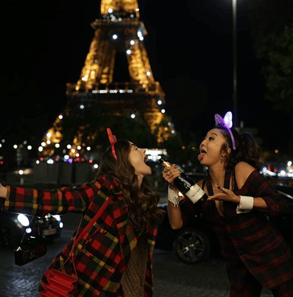 Screenshot_2020-10-30 Emily in Paris (2020)(9)