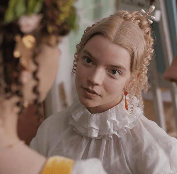 Screenshot_2020-12-09 Emma (2020)(6)